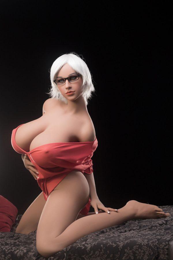 Anais - Big Tits