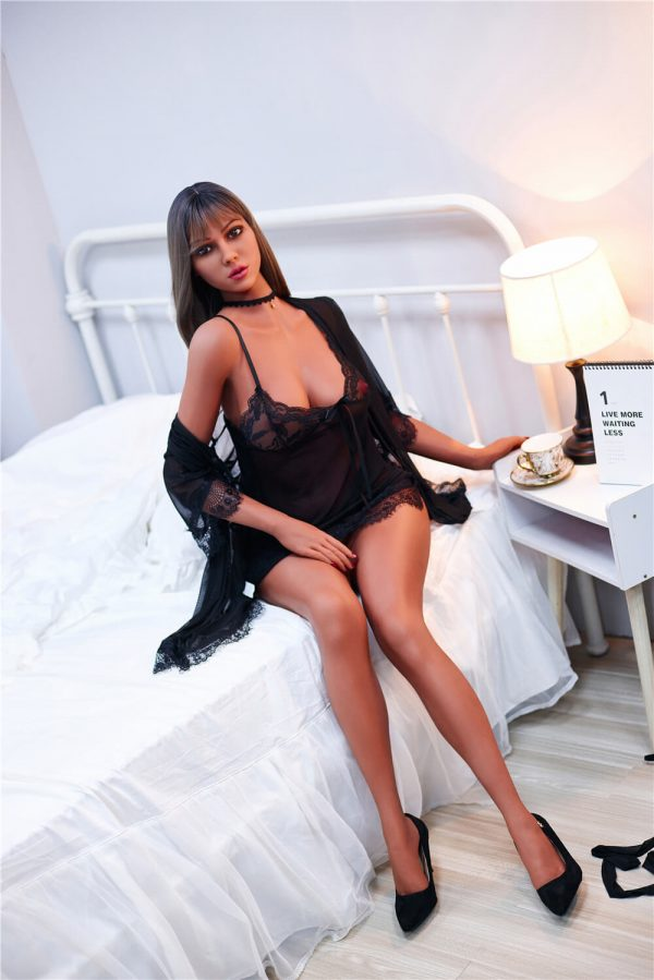 Viola - Curvy Sex Doll